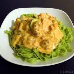 Spinat Tagliatelle mit Hackfleisch, Kürbis und Zucchini in Käsesauce