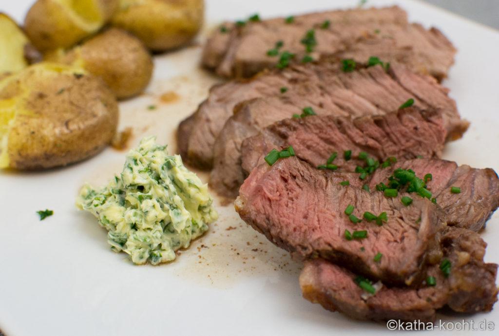 Steak mit Kartoffelspalten