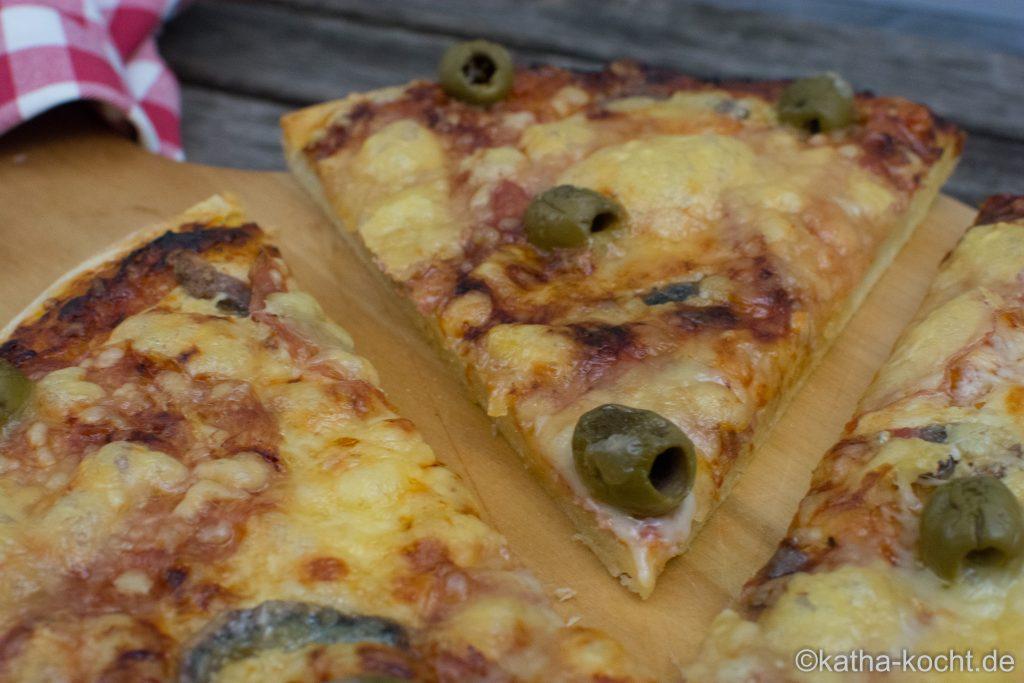 salami_pizza_mit_sardellen_-6