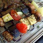 Gemüse-Grillspieß mit Aubergine, Zucchini und Champignons