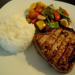 Thai-Thunfischsteak mit Wokgemüse und Reis