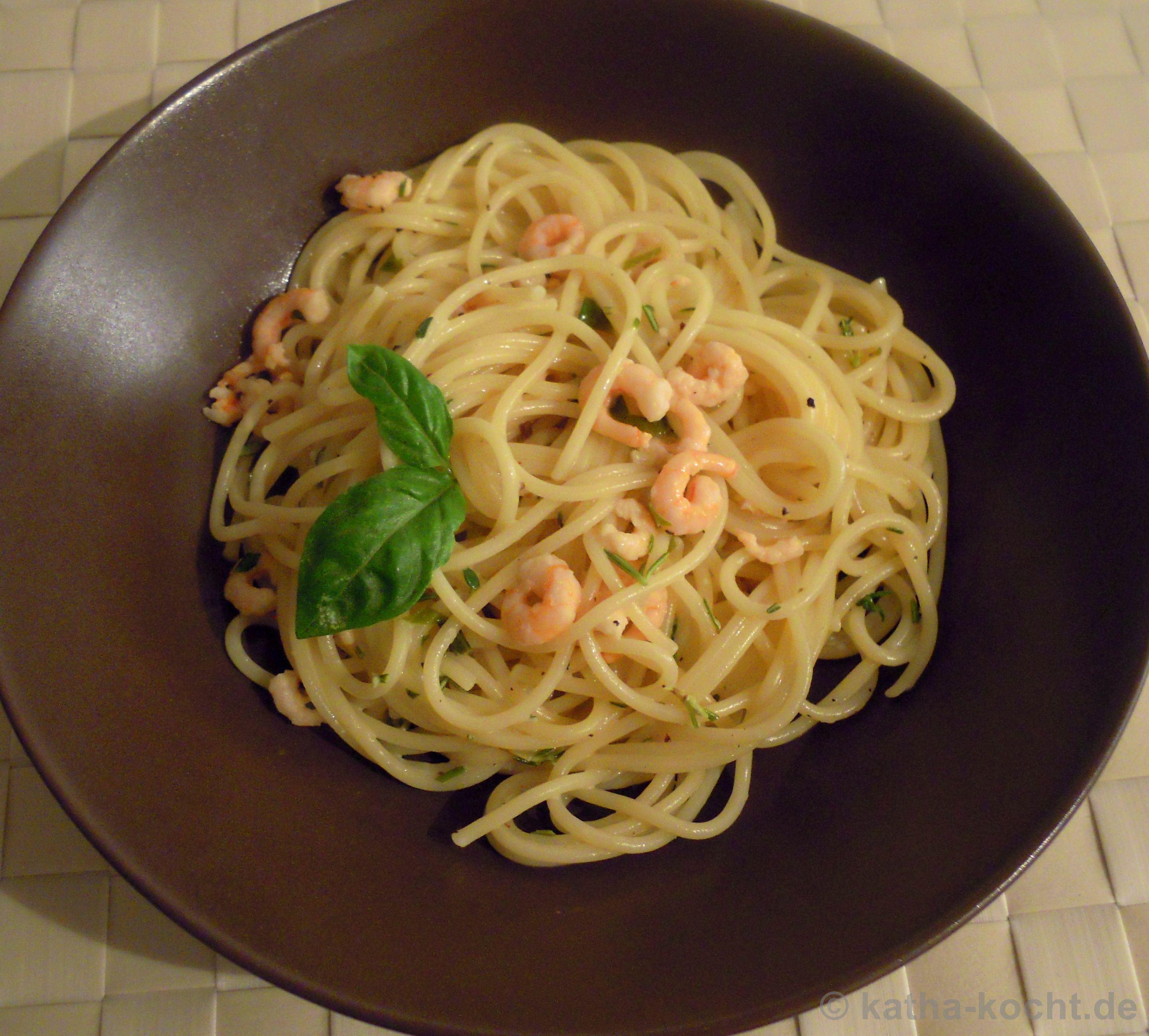 spaghetti mit garnelen in wei wein sahneso e rezepte suchen. Black Bedroom Furniture Sets. Home Design Ideas