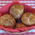 Gougères - französische Käse-Brandteigkrapfen