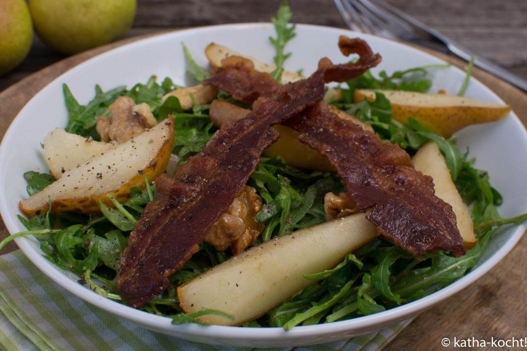 Warmer Birne-Pancetta Salat mit Senfdressing