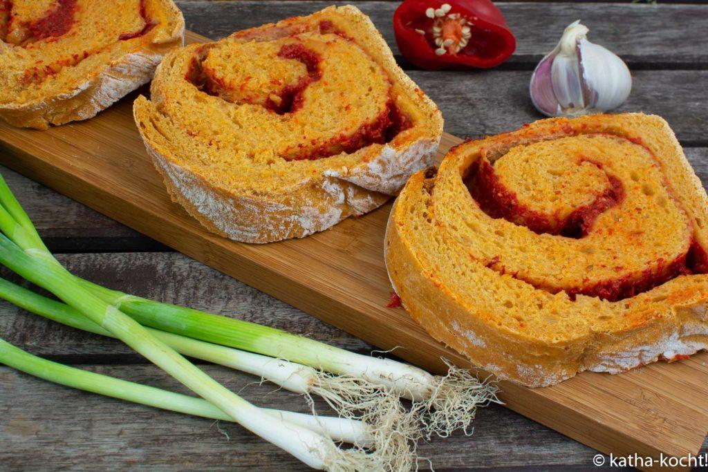 Paprika-Brotschnecke