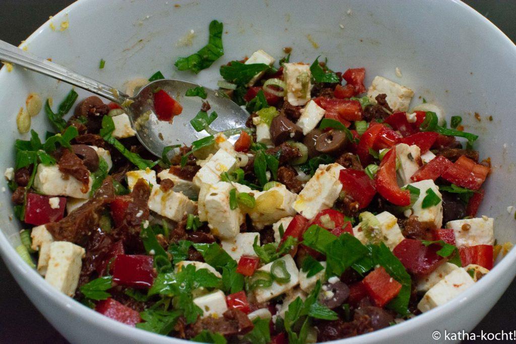 Mediterraner Nudelsalat mit Oliven