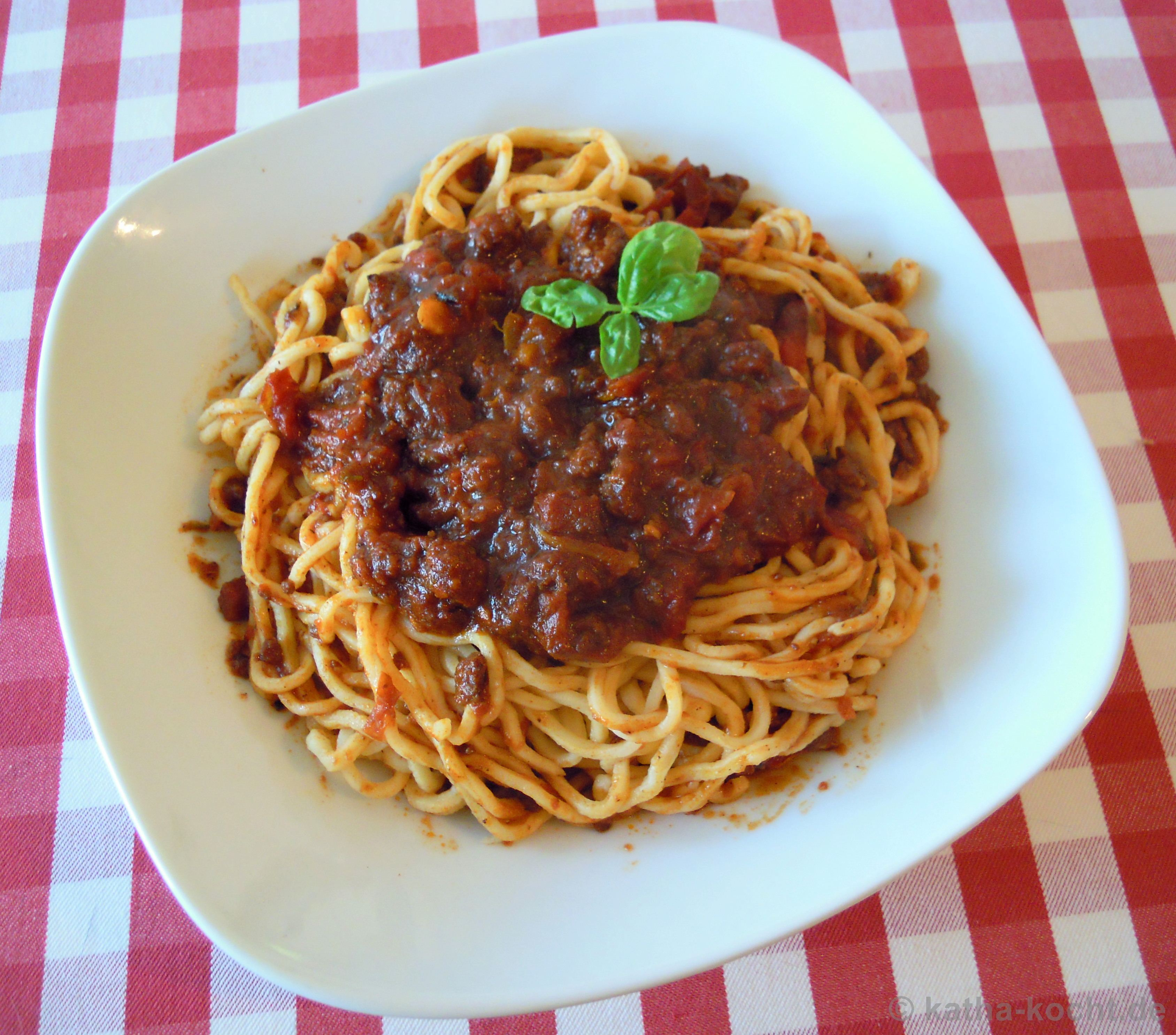 spaghetti bolognese mit zutaten aus der toskana katha kocht. Black Bedroom Furniture Sets. Home Design Ideas