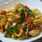 Conchiglie mit Rindfleisch, Tomaten und Rucola
