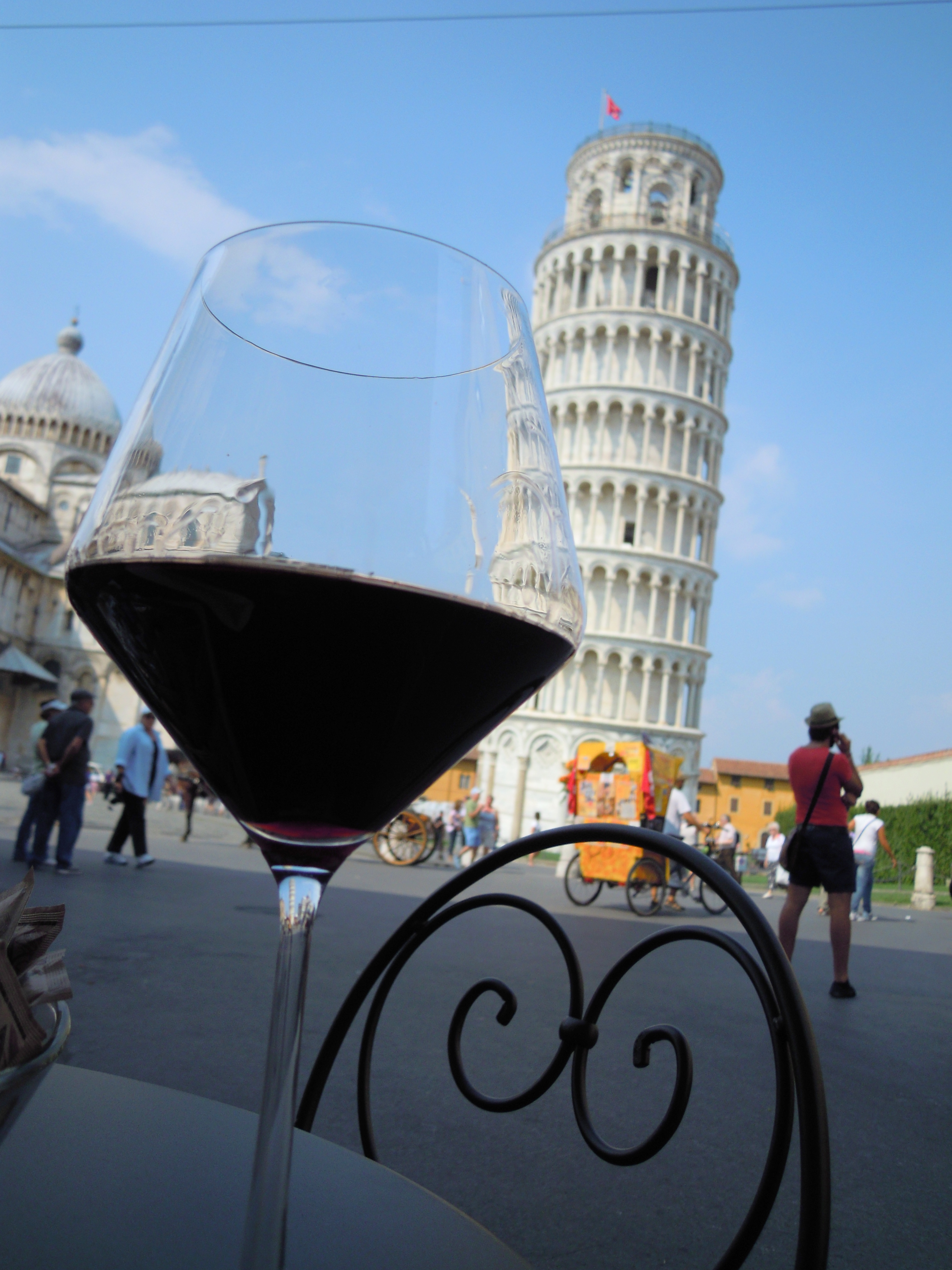 Mit einem Glas Wein durch die Toskana