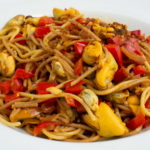 Pasta mit pikanter Muschel-Paprikasauce – Peperonispaghetti