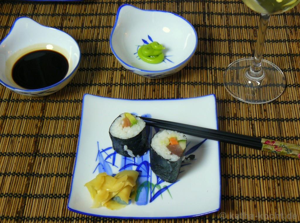 sushi10. Black Bedroom Furniture Sets. Home Design Ideas