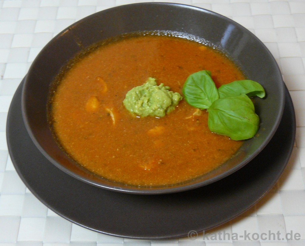 TomatenSchafskäseSuppeMitGuacamole1
