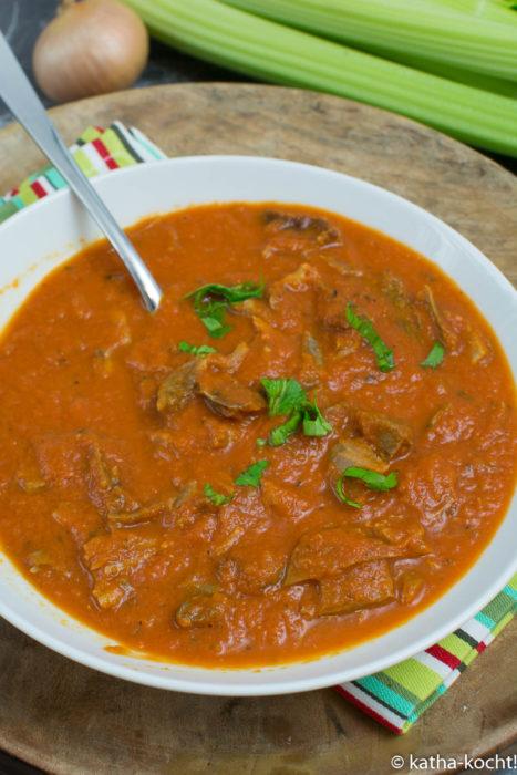 Tomatensuppe mit Gänsebraten
