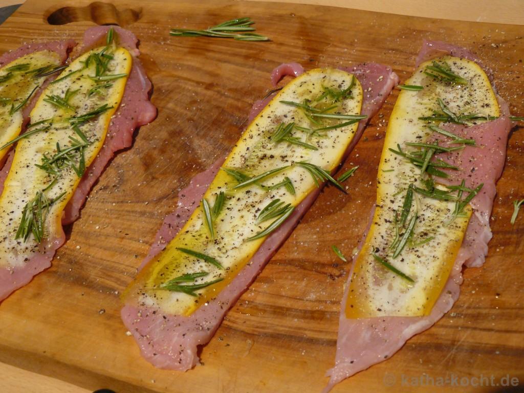 Zucchini-Schweineröllchen_Mit_Spargel_Reibeplätzchen_1