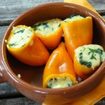 Tapas – Mini-Paprika mit Käse und Spinat