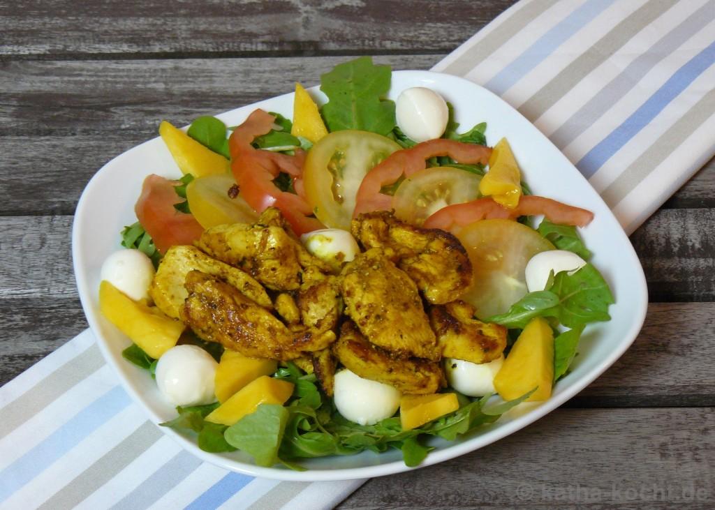 Hähnchen-Curry-Salat_Mit_Mango_Und_Mozzarella_1