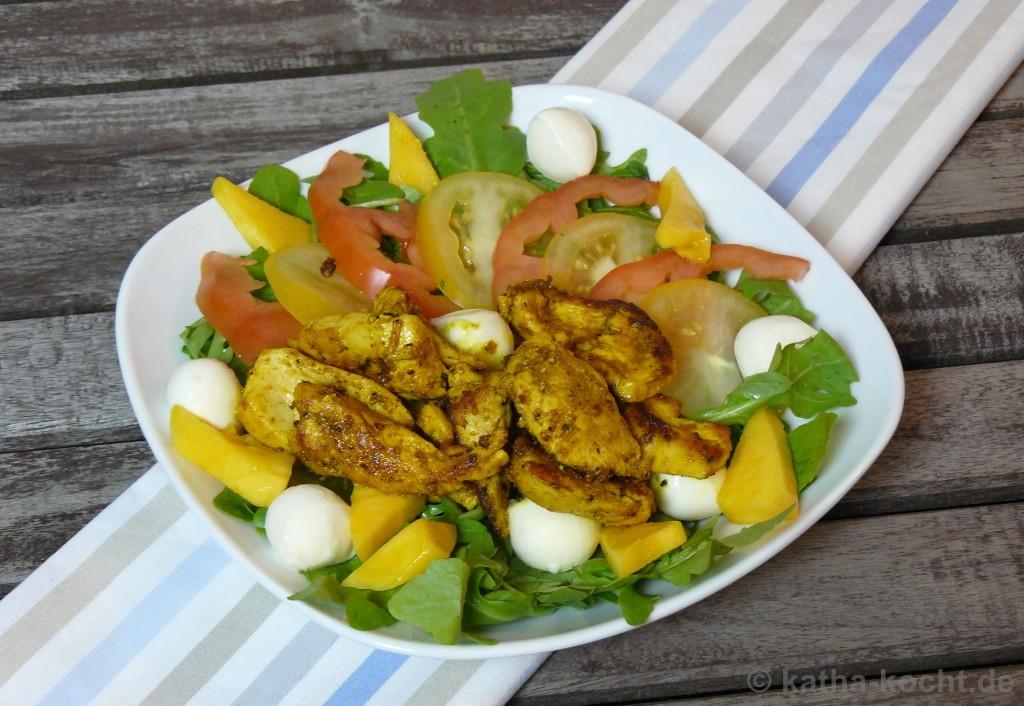 Hähnchen-Curry-Salat_Mit_Mango_Und_Mozzarella_2