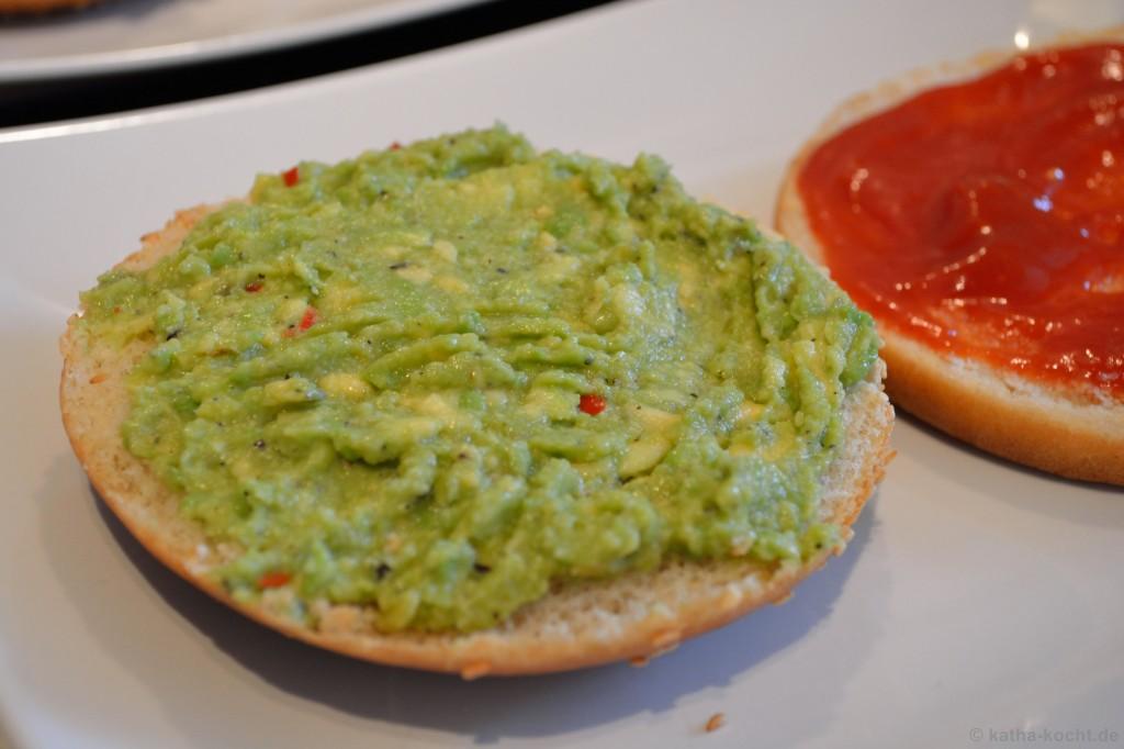 Avocado-Burger_mit_Pommes_2