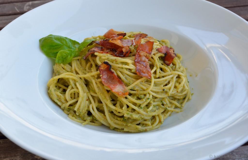 Spaghetti_mit_Rucolapesto_und_Tiroler_Speck_2