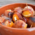 Tapas – Gefüllte Aprikosen im Speckband