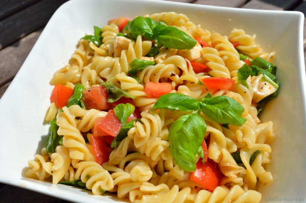 Nudelsalat_Tomate_Mozzarella_2