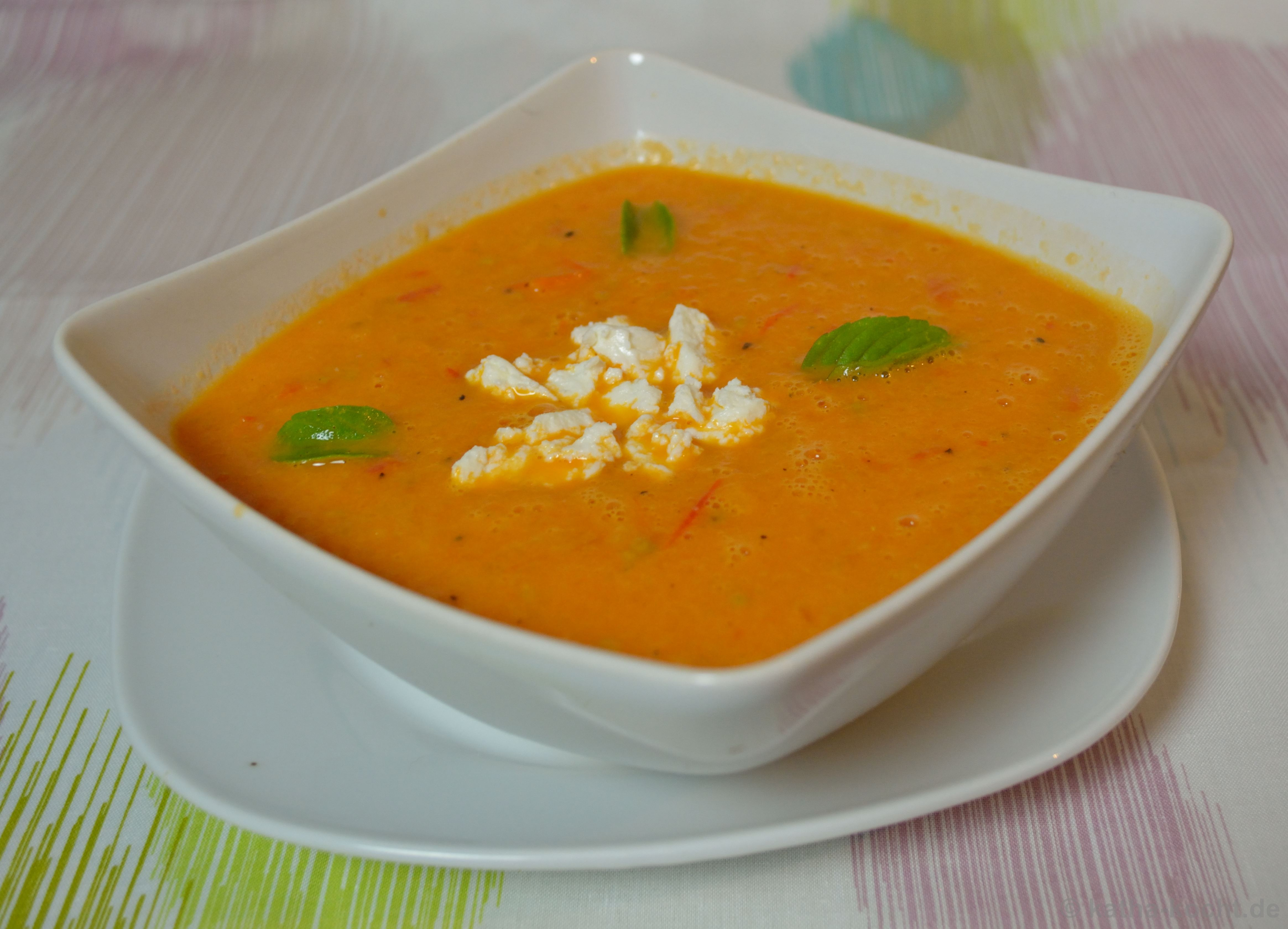 tomaten melonen suppe katha kocht. Black Bedroom Furniture Sets. Home Design Ideas