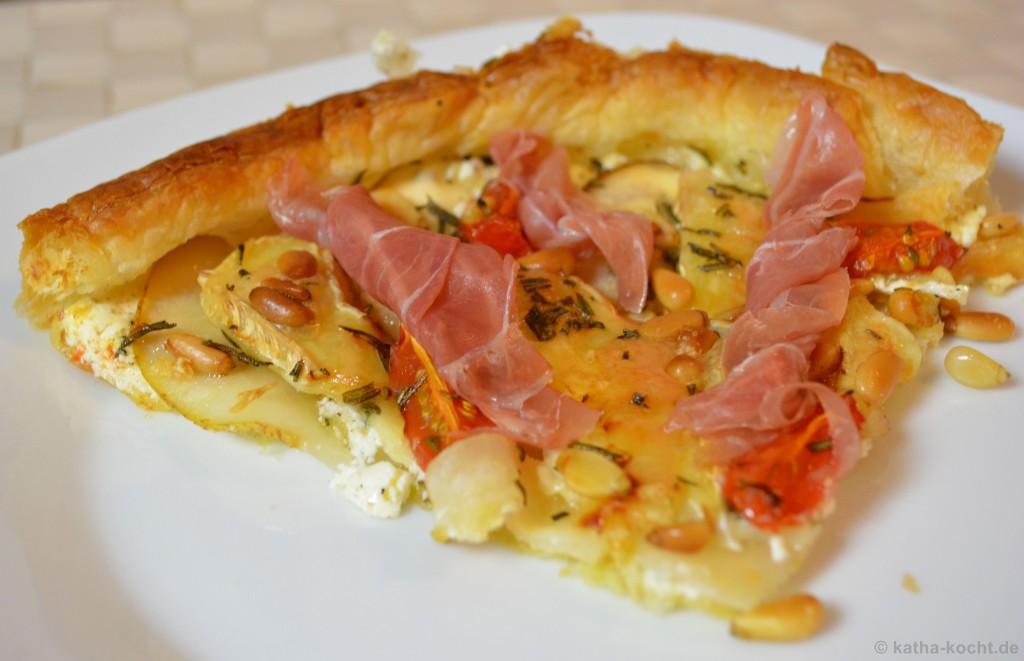 Birnen-Camembert-Tarte_Mit_Parmaschinken_5