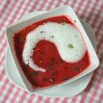 Johann Lafer's Rote-Beete-Suppe mit Wasabischaum