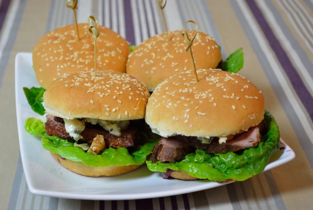 Enten-Burger_Mit_Brombeer-Schoko-Chili-Sauce_7
