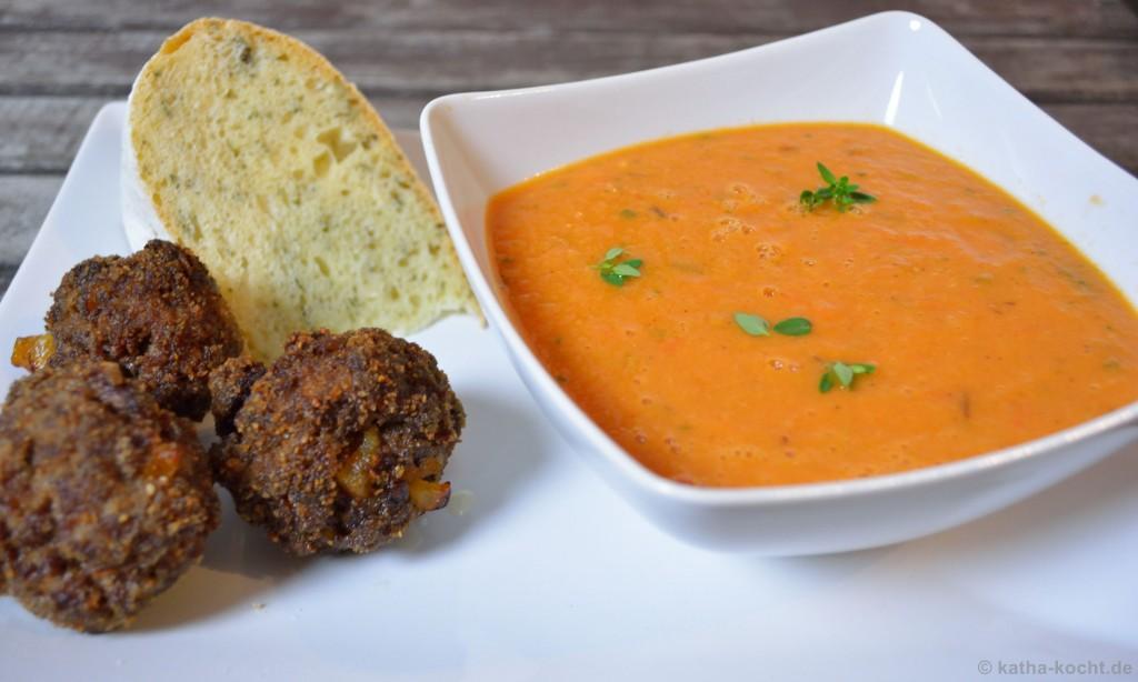 Tomaten-Pflaumen_Suppe_Mit_Hackbällchen_7