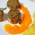 Schweinefilet mit Kürbis-Brotkruste, Karottensauce und Kartoffelplätzchen