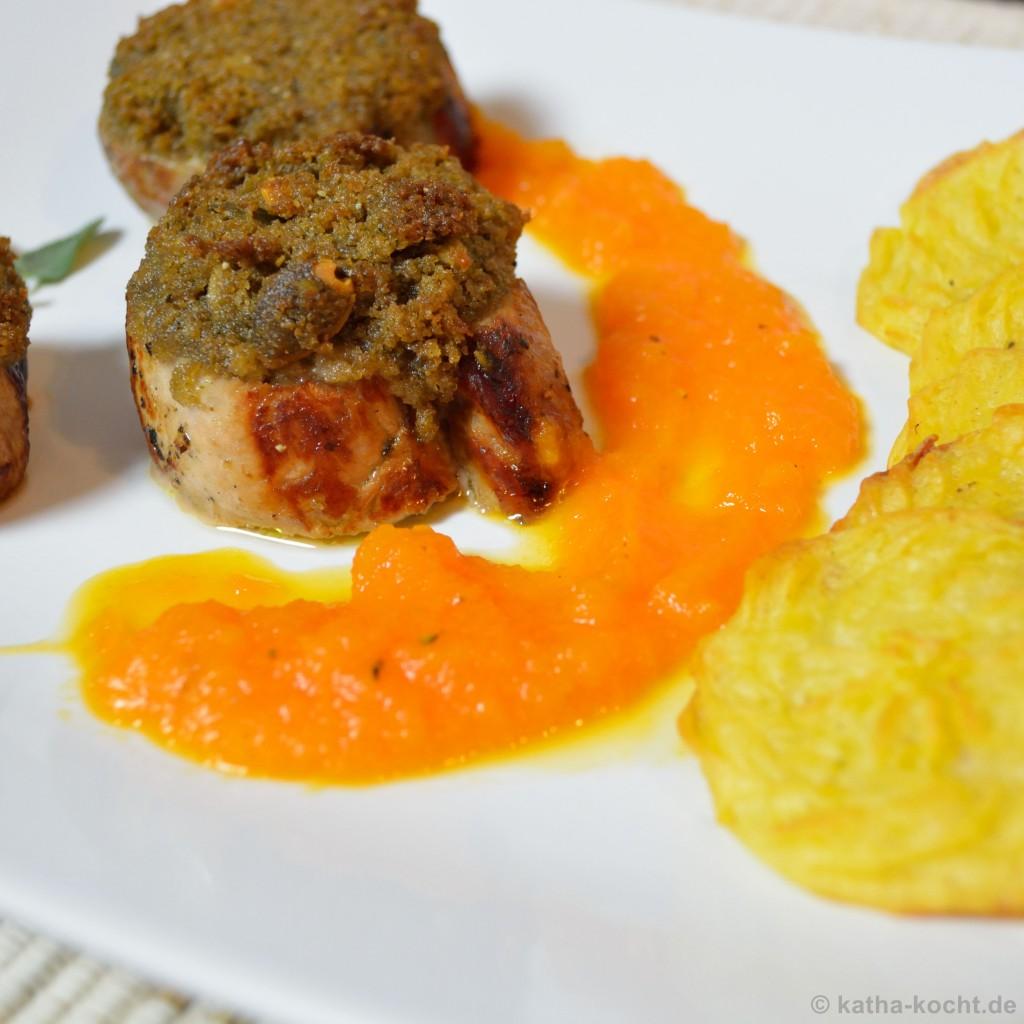 Schweinefilet_mit_Brotkruste_Karottensauce_und_Kartoffelplätzchen_8