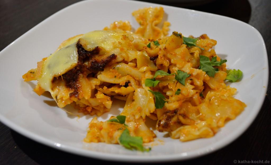 Pesto-Farfalle_Auflauf_mit_Raclette_Käse_5