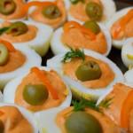 Pikant gefüllte halbe Eier
