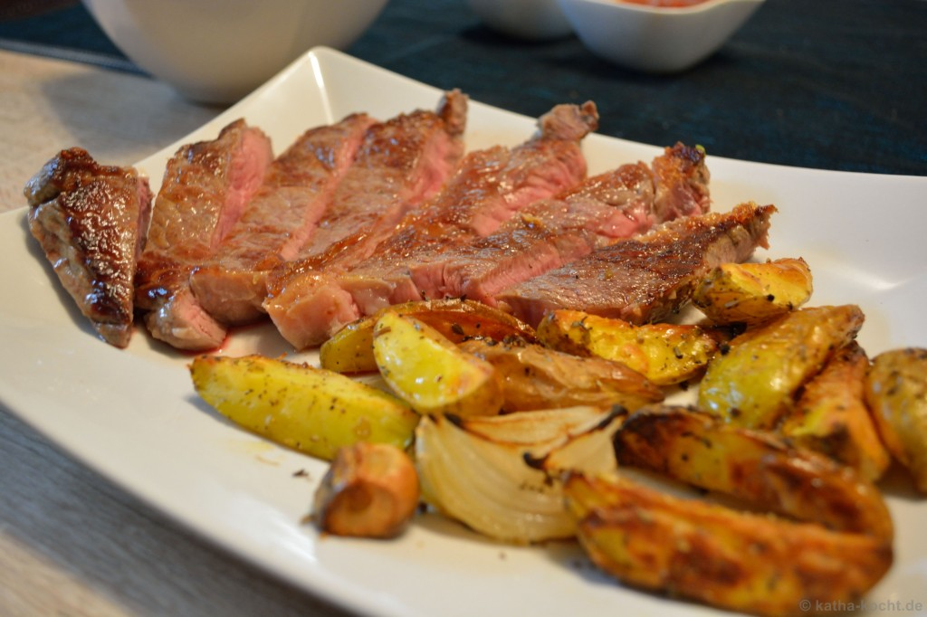 Rumpsteak_mit_Walnusssalat_und_Kartoffeln_5