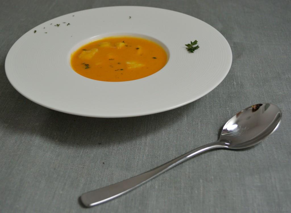 süßkartoffel-mango_suppe_mit_seeteufel_6