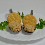 Cracker mit Karpfencréme