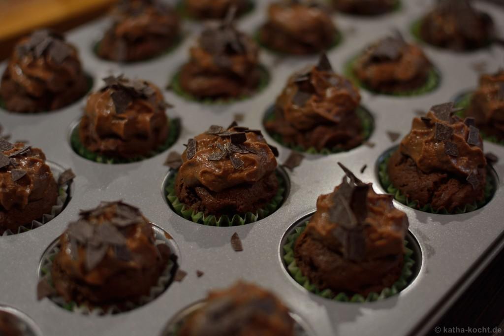 Double_Choc_Mini_Cupcakes_mit_einem_Hauch_von_Gold_5