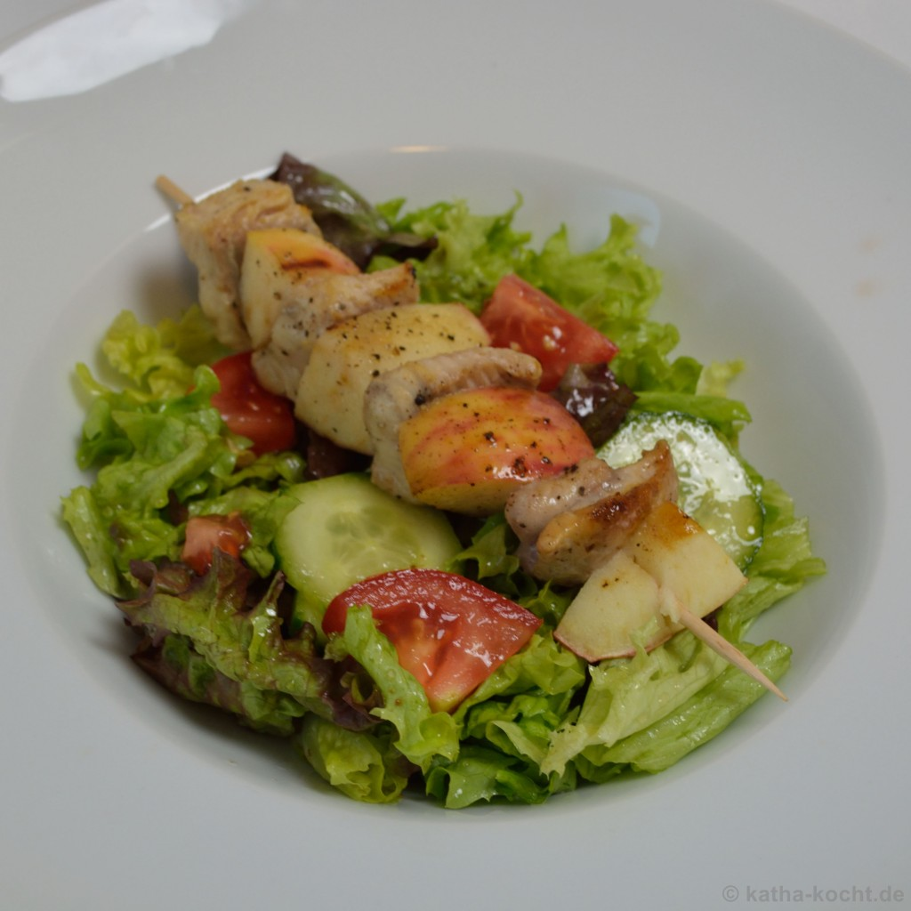 Salat_Mit_Wels_Apfel_Spießen_6