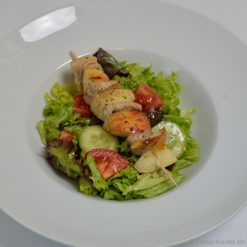 Salat_Mit_Wels_Apfel_Spießen_7