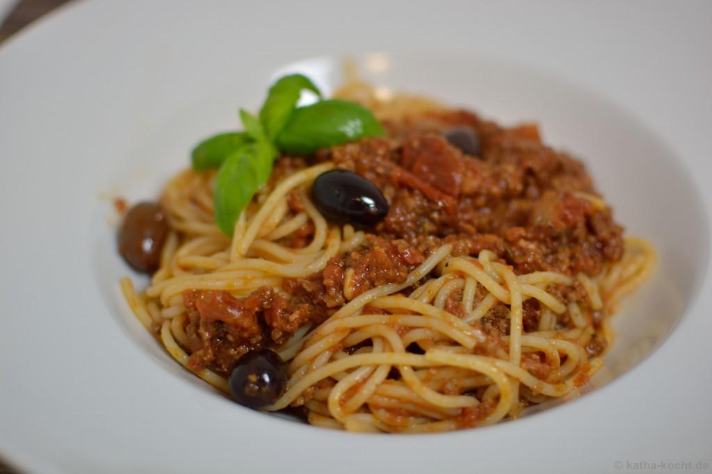 Spaghetti_Bolognese_mit_kalamata_oliven_3