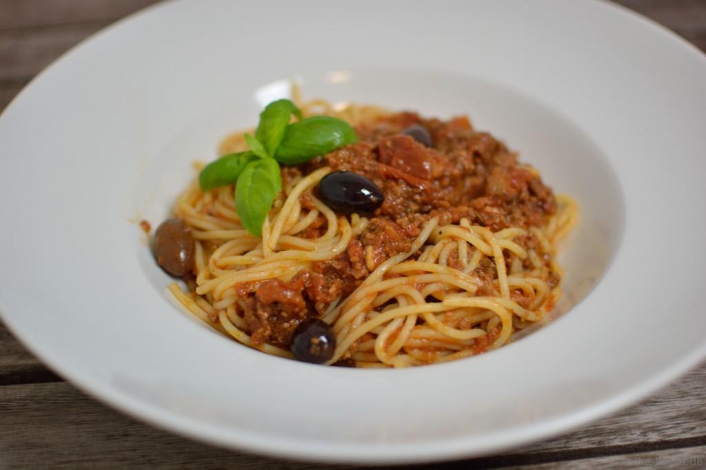 Spaghetti_Bolognese_mit_kalamata_oliven_4