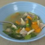 Hühnernudelsuppe mit Suppenhuhn