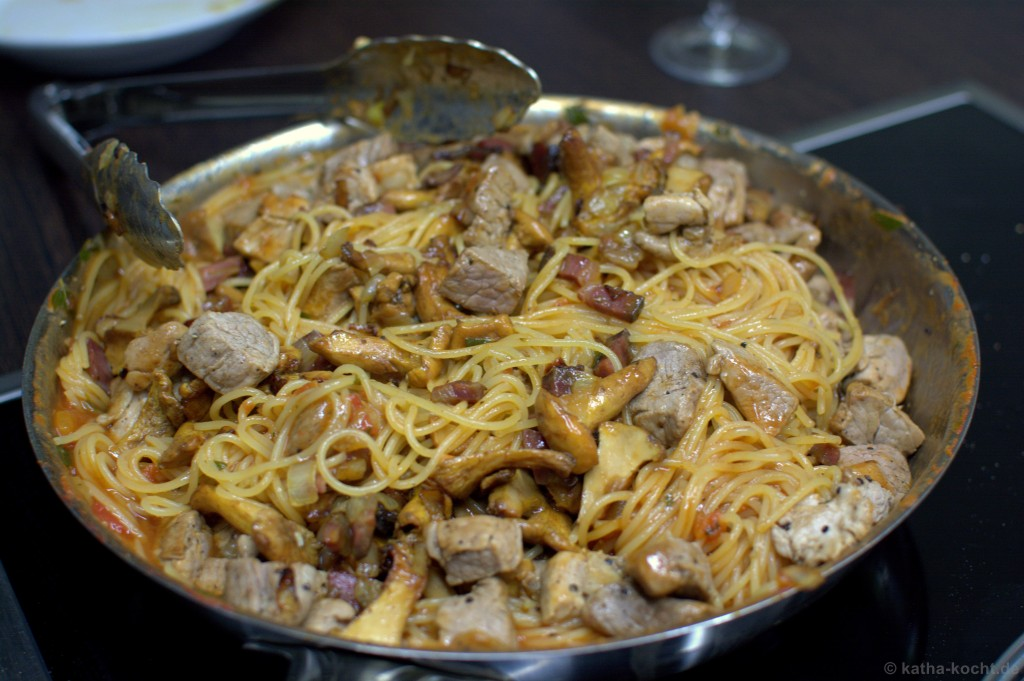 One_Pan_Pasta_mit_Pfifferlingen_5