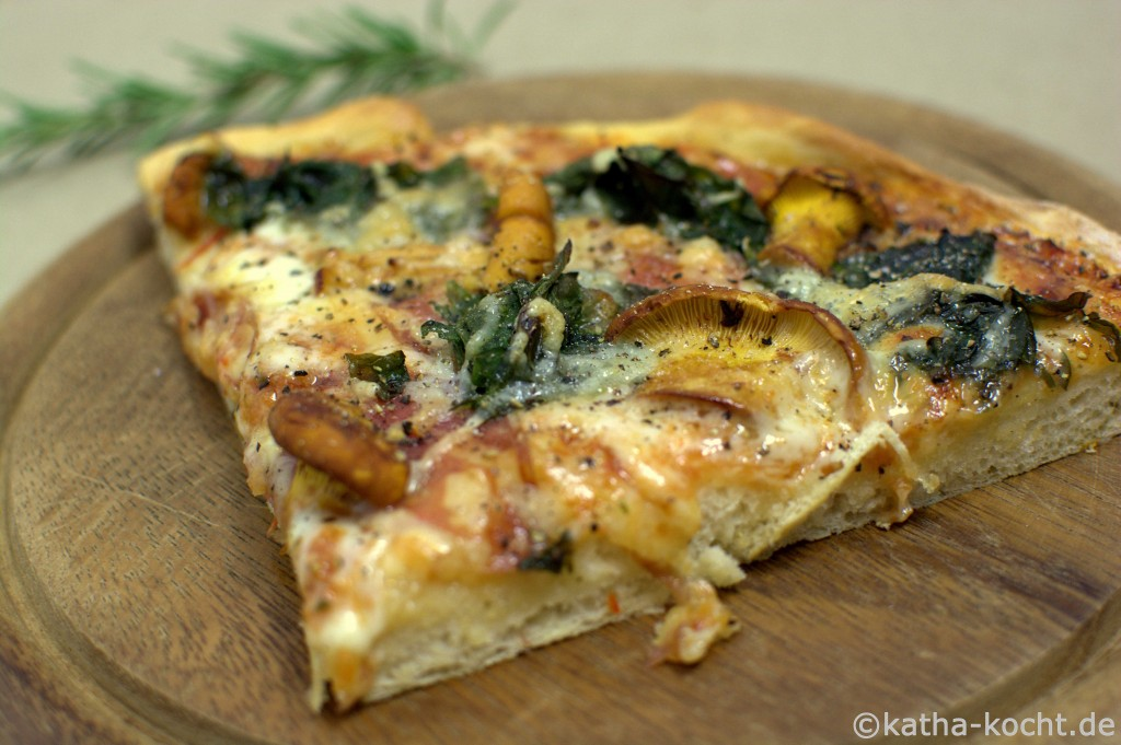 Pfifferling_Mangold_Pizza_ (5)