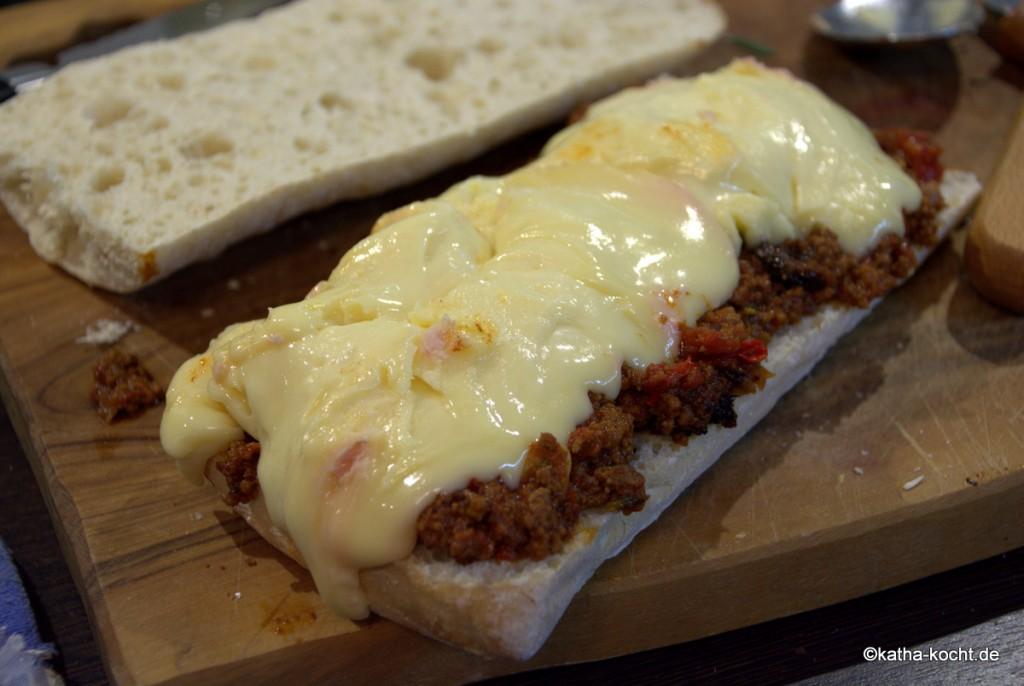 Bolognese_Sandwich_mit_Vacherin_mont_d'dor_ (4)