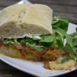 Bolognese-Sandwich mit Schweizer Käse
