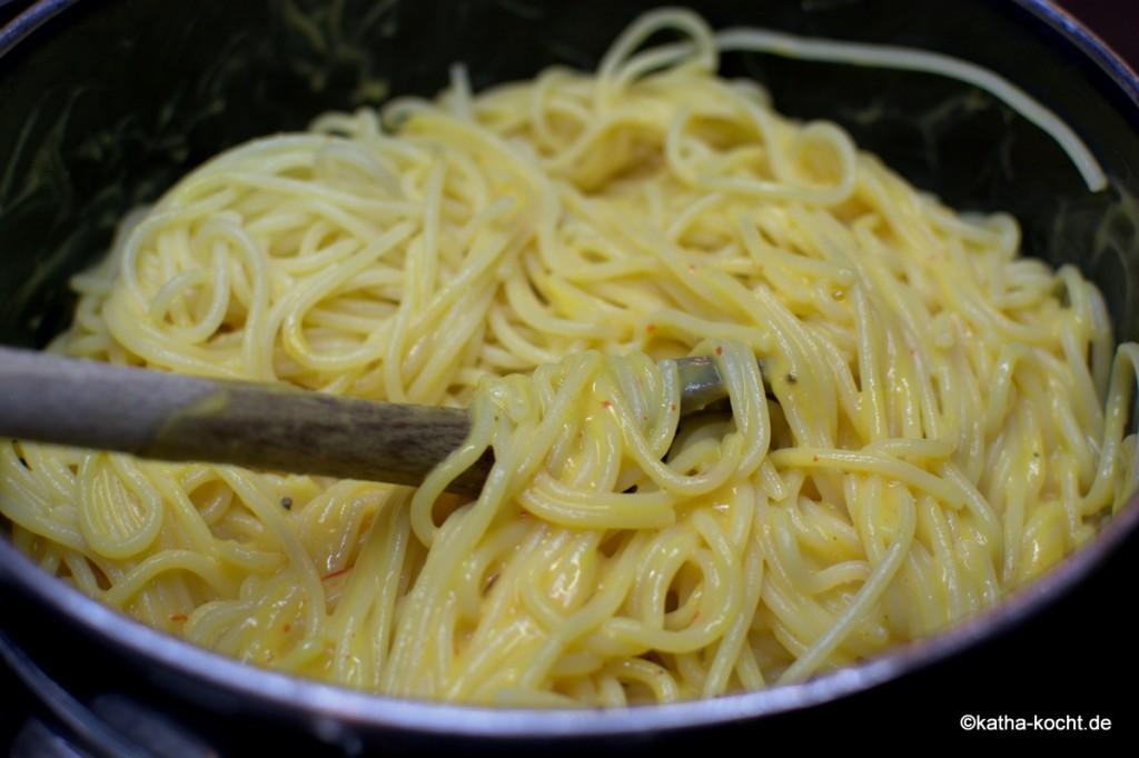Spaghetti_mit_kürbis_käse_sauce_ (3)