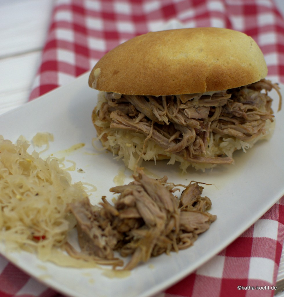 Pulled_Pork_Sandwich_ (10)