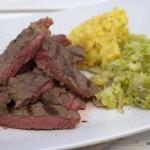 Steak mit Steckrübenpüree und Rosenkohl